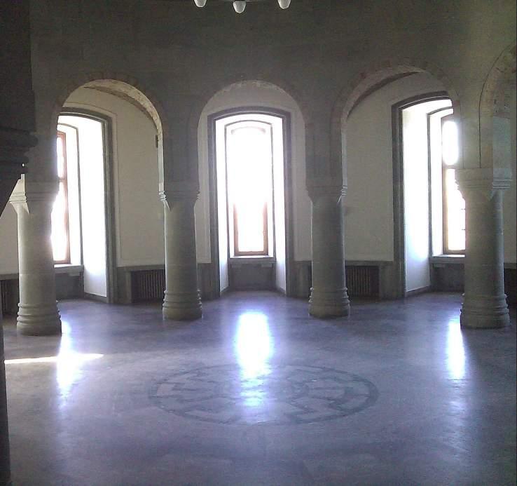 Schwarze_Sonne_Obergruppenführersaal_(SS_Generals'_Hall) (1)